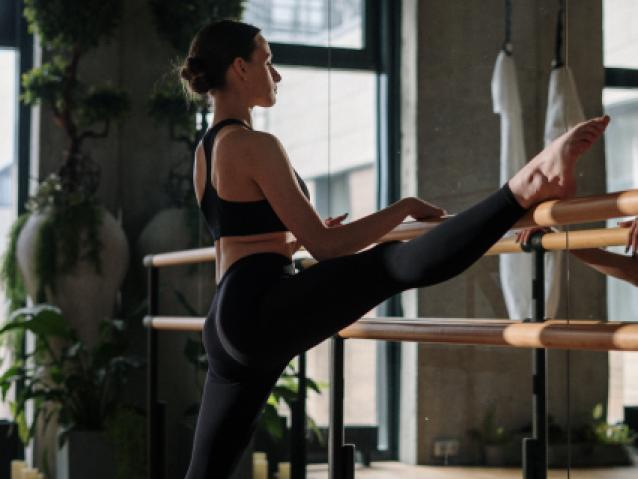 dance_stretching